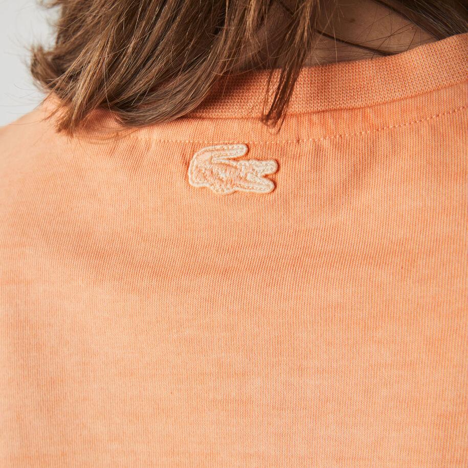 تي شيرت قطن مقلم للنساء بفتحة رقبة مستديرة وطباعة كتابية