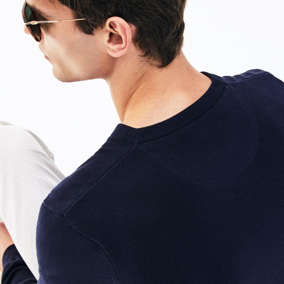 قميص ثقيل من القطن الجيرسيه الكافيار بيكيه بفتحة رقبة على شكل حرف V